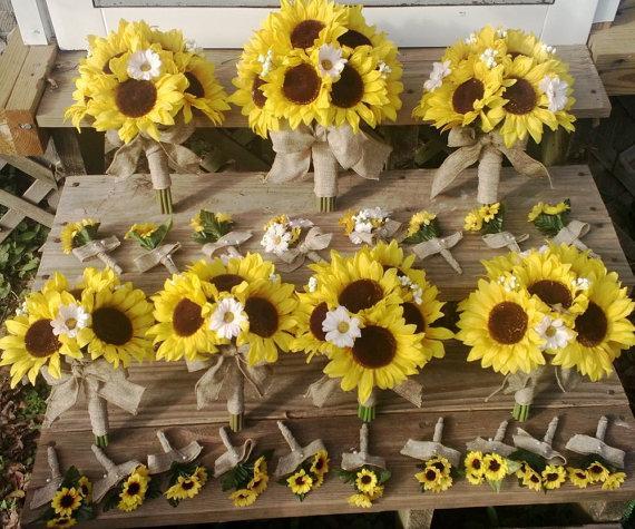 Mariage - 17 piece Sunflower Bouquet Yellow Sunflower Bridal Bouquet Wedding Bouquet Set, Sunflower Burlap Bouquet, Rustic Bouquet, Yellow Bouquet