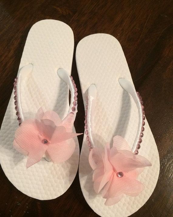 Свадьба - Flower Girl flip flops with pink rhinestones White satin flower girl flip flops.