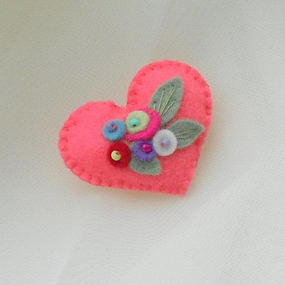 زفاف - Hot Coral Garden Felt Heart Flower Bouquets Pin-Brooch with Blue, Red, Purple, White Flowers