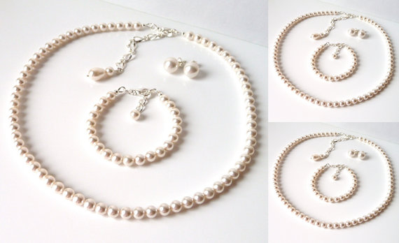Hochzeit - Pearl Bridesmaid Jewelry SET OF 3, Ivory or White Pearl, Bridesmaid Gift, Wedding Jewelry Set, 3 Piece Jewelry Set, Pearl Bridal Jewelry Set