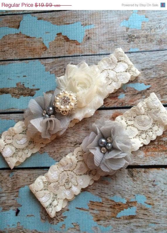 Mariage - SALE 20% off LIGHT GREY flower  / Ivory  chiffon / wedding garter set / bridal  garter/  lace garter / toss garter included /  wedding garte