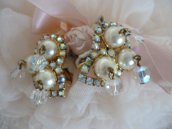 Hochzeit - Gorgeous Vintage Clip On Earrings Pearls,Aurora Borealis Wedding
