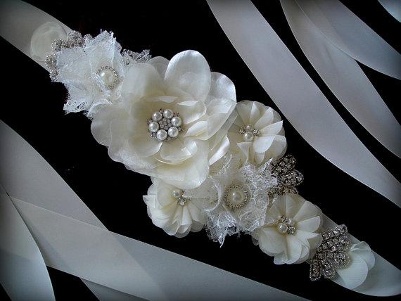Mariage - Bridal Sash Belt , Crystal wedding sash , Crystal sash , Beaded Sash, Rhinestone Bridal Sash, Flower Sash