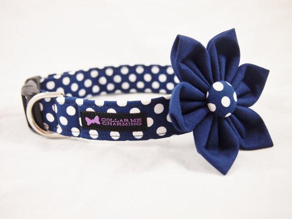 Свадьба - Navy Polka Dot Dog Collar Flower Set Darling