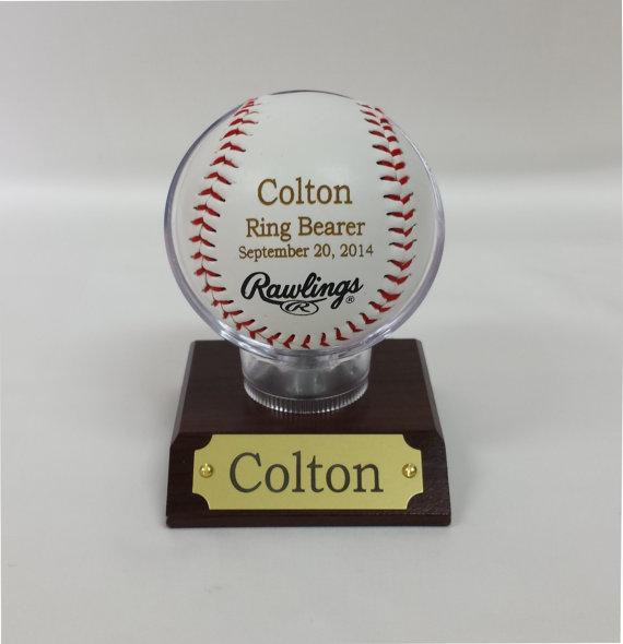 Свадьба - 4 Engraved Rawlings Baseball, MLB Baseballs, Perfect Wedding Gift, Ring Bearer Gift, Groomsmen Gift,  Groomsmen Favor, Favor, Baby Gift