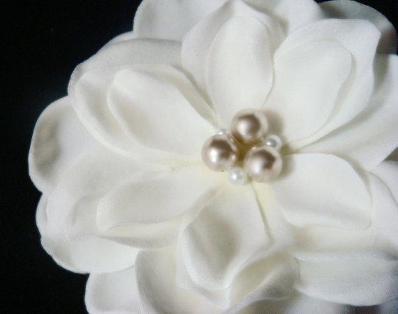 زفاف - Ivory bridal hair flower with CHAMPAGNE PEARLS / ivory champagne bridal flower hair clip with vintage style / bridal crystal flower