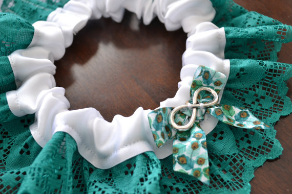 Свадьба - READY to SHIP! Wedding Garter with Peacock Feather Ribbon, White Satin, Teal Lace, and Infinity Charm - Standard Size