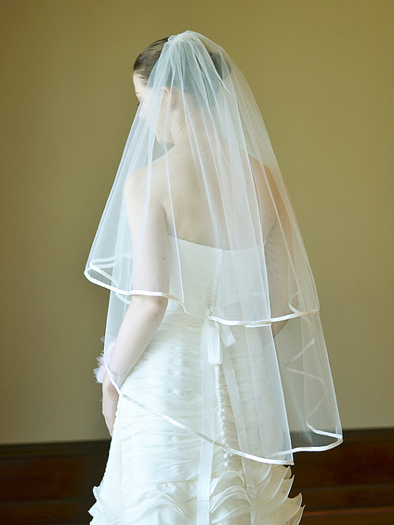 Hochzeit - Wedding veil, bridal veil, two tier satin edge veil in ivory, 7mm satin bias binding, fingertip length, bridal tulle