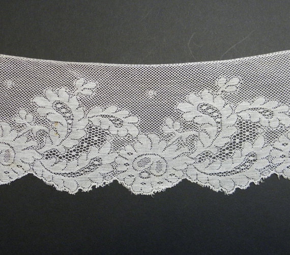 Mariage - SALE 2.5 yds Vintage Wide Lace Trim Supply Off White Lingerie