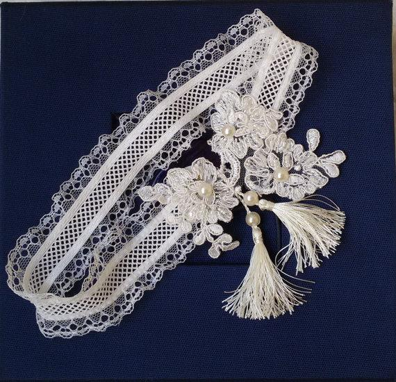 Hochzeit - Wedding leg garter, Wedding Leg Belt, Rustic Wedding Garter, Bridal Garter , Of white Lace, Lace Garters, ,Wedding Accessory,