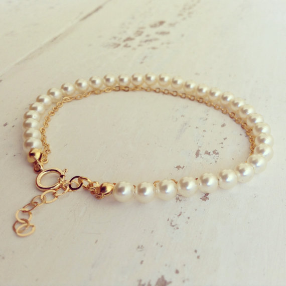 Mariage - Pearls & Gold Bracelet, Pearl Bracelet, Bridesmaid Gifts, Bridal Jewelry, Personalized Gift, Flower Girl, Wedding bracelet