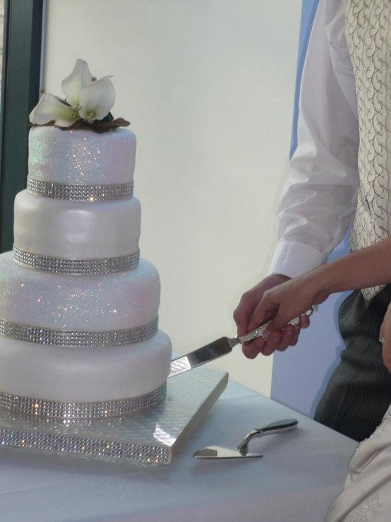 Свадьба - Rhinestone Wedding Cake Bling Rhinestone Banding Cake Sparkle Rhinestone Ribbon Banding 6 yard listing