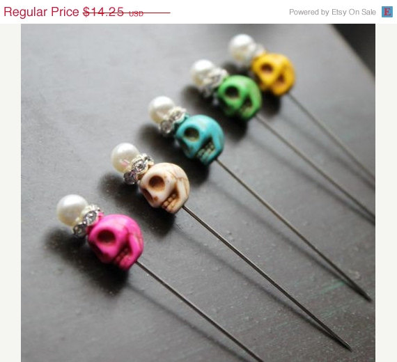 Hochzeit - on sale 40% off Day of the Dead Wedding MIni Sugar skull Pin Set Creepy Jewelry Halloween Skull Pins