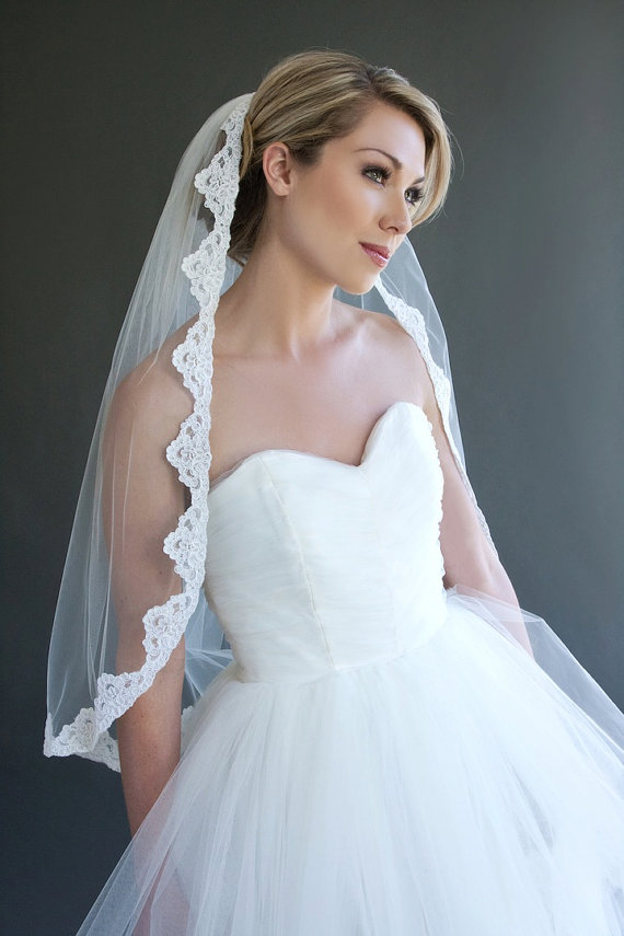 Mariage - Ready to Wear, Liliana - Traditional Lace Edge Veil, Lace Veil, Bridal Veil, Wedding Veil