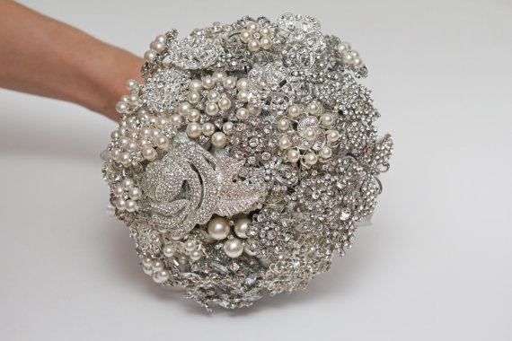 Mariage - brooch bouquet, bridal bouquet, wedding bouquet, bridesmaids bouquet, wedding brooch, white wedding, wedding brooch bouquet