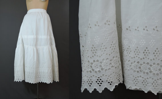Свадьба - Edwardian Whites - Antique Cotton Petticoat with Wide Ruffle of Embroidery and Eyelet, 24 inch waist