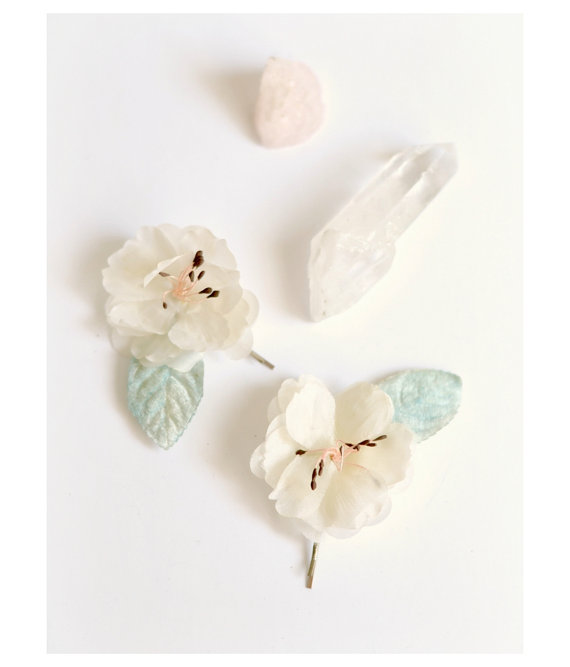Mariage - Ivory flower clips, vintage hair pins, velvet leaf clip, vintage hair accessory, flower bobby pins