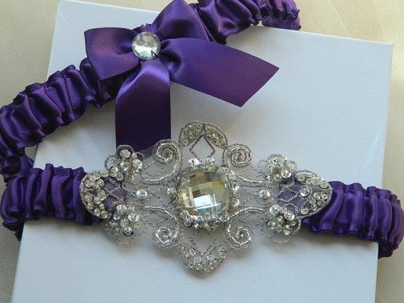 Свадьба - Wedding Garter, Bridal Garter Set, Garter set, Purple Satin With Chiffon applique