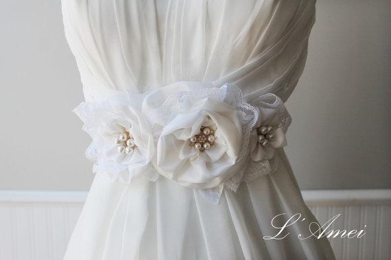 Mariage - Vintage Style Ivory Wedding Flower Sash Bridal Belt