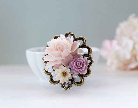 Свадьба - Large Lilac, Ivory, Pink Rose Flowers Collage Brooch. Vintage Inspired Wedding Bridal Sash Brooch, Sweater brooch, Bridesmaid Gift