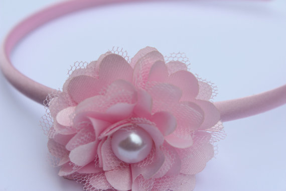 Mariage - pink headband plastic headband satin headband toddler headband light pink flower Girl headband chiffon headband photo prop pink wedding