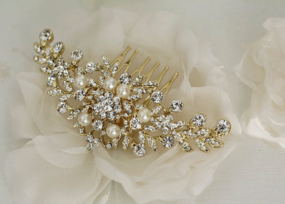 Mariage - ANDREA -  Gold bridal hair comb, Vintage style wedding hair comb, crystal pearl hair comb, Gold wedding hair accessory