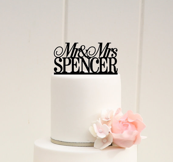 Свадьба - Mr and Mrs Wedding Cake Topper Custom Personalized with YOUR Last Name