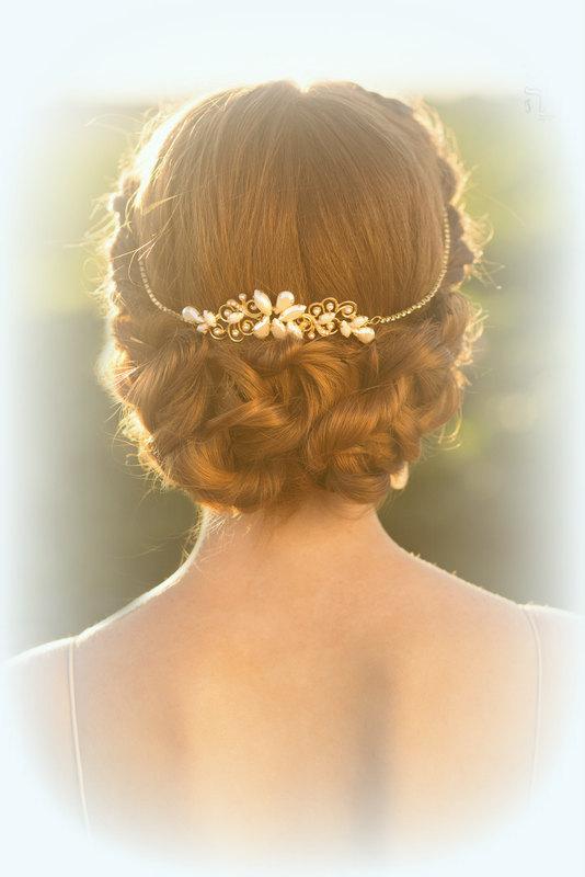 Mariage - Wedding bridal tiara, Wedding Hair Accessories, wedding hairpiece, bridal tiara, swarovski tiara gold brides, bridal hair vine wedding tiara