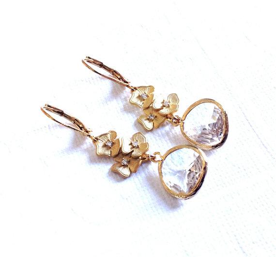 زفاف - Dangle Earrings / Wedding jewelry / clear drop earrings with azalea flower/ wedding gift / Bridesmaid gifts / Clear zirconia earrings / gift