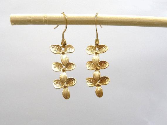 Свадьба - Flower Earrings, Orchid Earrings, Bridal Earrings, Dangle Earrings, Floral Accessories, Wedding Earrings,Cocktail jewelry
