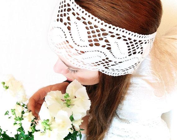 Mariage - Vintage Lace Trim Headband. Vintage Wedding Headband, Bridal Headband, Off White Lace Trim, Spanish Vintage. Shabby Chic Wedding.