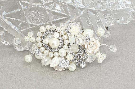 Mariage - Bridal Hair Comb- Petite Hair comb- Wedding Hair Accessories- Small Pearl Bridal Comb-Bridal Hair Accessories-Fascinator-Brass Boheme-Lovely
