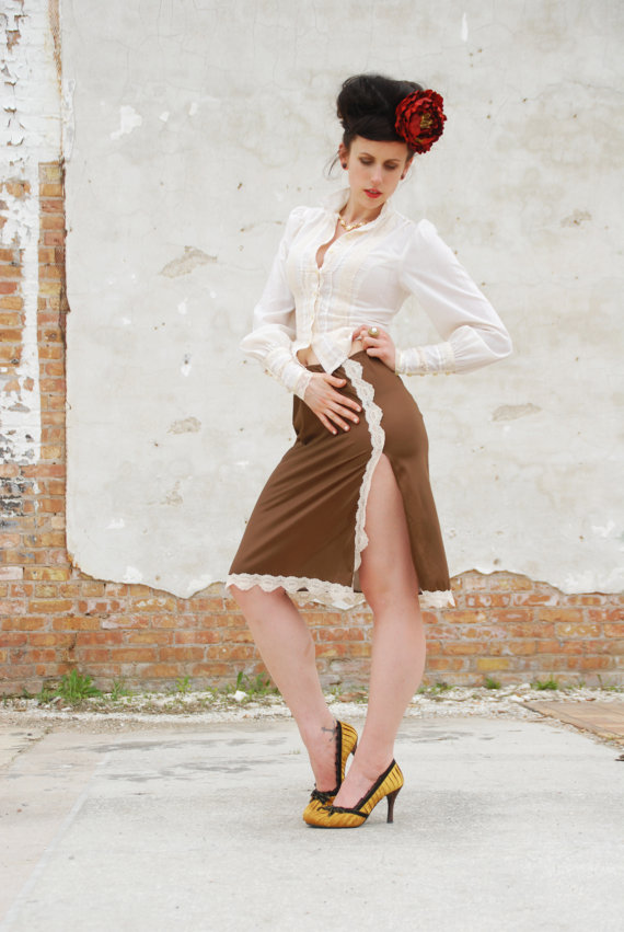 Boda - Vintage 1950s slip skirt, brown bronze ivory white lace high vent, knee length, sexy high waist lingerie, half slip XS S Laura SALE