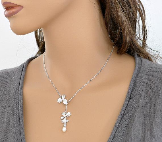 زفاف - Orchid necklace, lariat, flowers 1&2, pearl, delicate holidays gift, bridesmaid wedding jewelry, everyday, by balance9