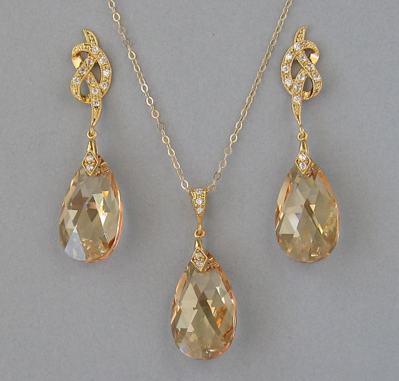 Mariage - Genuine Swarovski Crystals, Gold Filled Chain, Gold Plated, Necklace and Earrings, Set, Bridal Set, Bridesmaid Gift, Wedding Jewelry -DK650