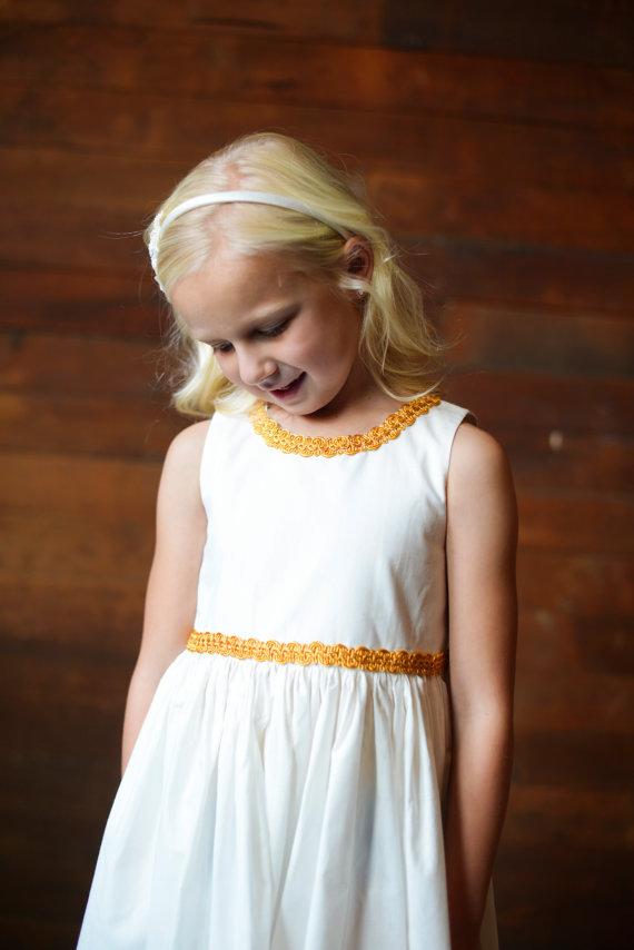 زفاف - Gold brocade flower girl dress, Simple flower girl dress