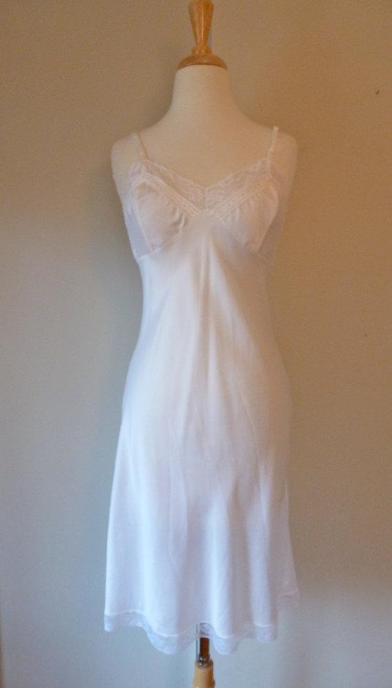 Mariage - Vintage Dior Slip White Lace Embroidered Bias Cut Nylon 34