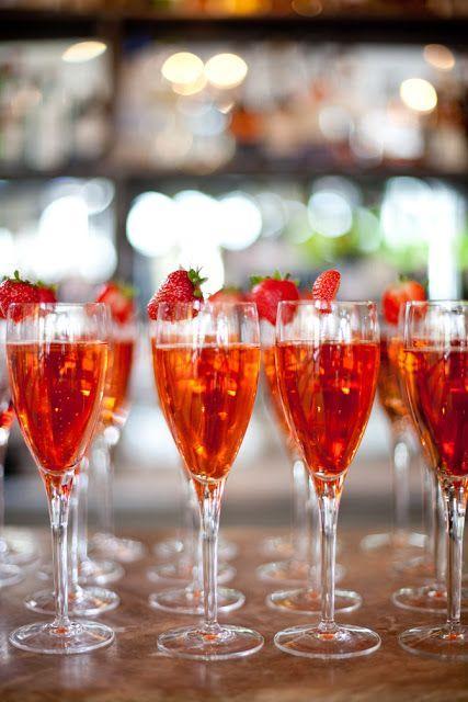 Hochzeit - CHEERS! DRESSY DRINKS