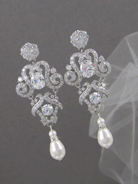 Mariage - Bridal Earrings,  Wedding Jewelry, Chandelier Bridal earrings, Bridal Jewelry, Swarovski, Annabelle Bridal Earrings
