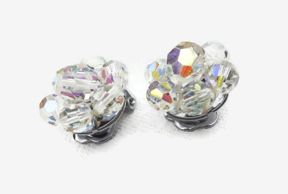 Свадьба - Clip on Earrings, Clip Earrings, AB Crystal Jewelry, Cluster Beads, Bridal Jewelry, Aurora Borealis, AB Cluster earring, AB Clip on Earrings