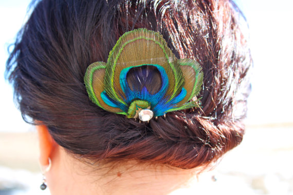 Hochzeit - AMELIA in Blue Peacock Feather Hair Comb, Fascinator