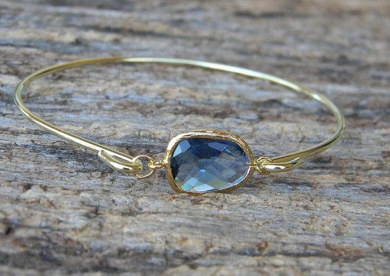 Свадьба - Gold Bangle Bracelet / Navy Blue Bracelet / Bridesmaid Gift / Bridesmaid Jewelry / Bridesmaid Bracelet /  Gift  For Her /
