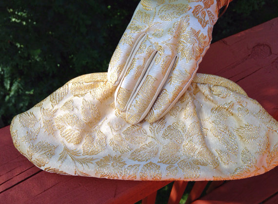 Свадьба - Gold Brocade gloves and purse. Mad Men 1960s  Accessories set. Gold clutch and gloves for wedding or prom.