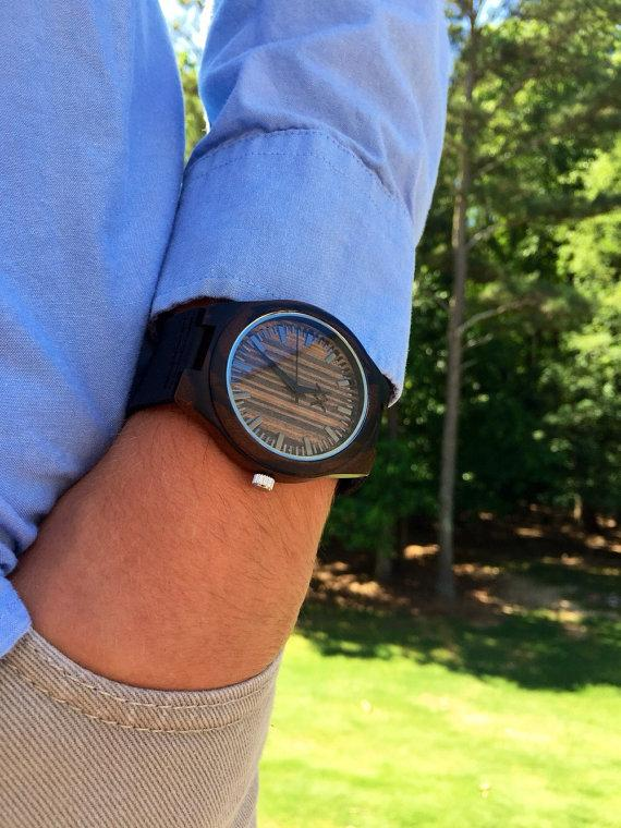 Свадьба - Minimalist Real Ebony Wood Watch, Dark Ebony Engraved Wooden Wrist Watch, Handmade for Men Women, Gift for him, Anniversary Gift, Groomsmen