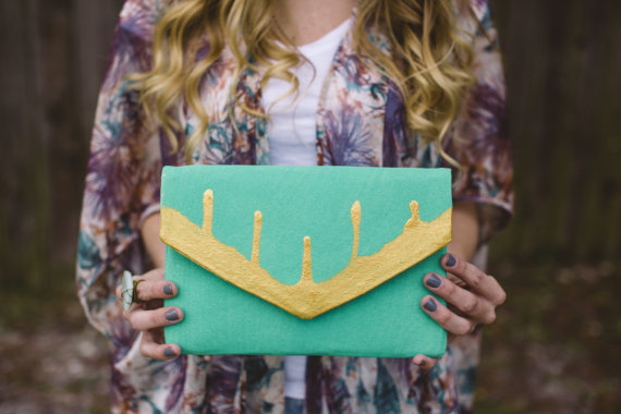 Mariage - Set of 6 Bridesmaids Clutches with Multiple Color Options to Match YOUR Wedding, 10% off PLUS a Free Clutch for the Bride on Orders of 6+