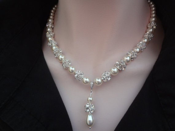 Mariage - Pearl drop necklace ~ Bridal jewelry ~ Large sparkling crystal rhinestone fireballs ~ Swarovski pearl necklace ~ Brides necklace ~ HOLLY
