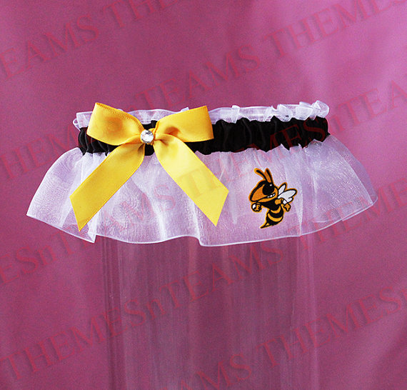 Mariage - k Georgia Tech Yellow Jackets handmade keepsake bridal garter - wedding party garter