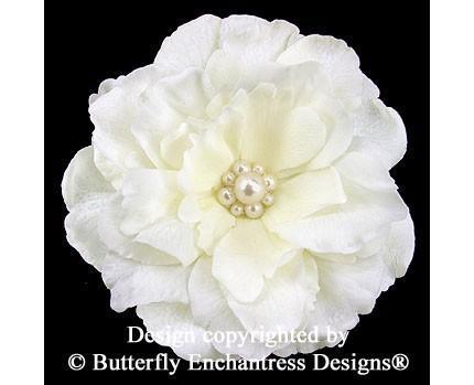 Свадьба - SALE  Bridal Hair Accessory, Wedding Flower Hair Clip, Fascinator - Ivory Audrina Bridal Hair Flower with Pearl Center