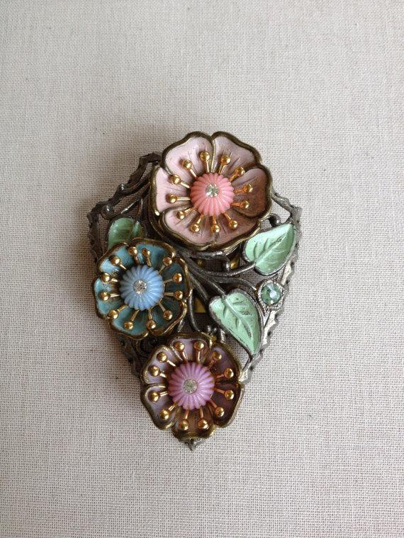 Свадьба - Molded glass and celluloid flower rhinestone dress clip, jewelry, vintage, destash, blush, dress clip, rustic, 1920s wedding, bridal sash