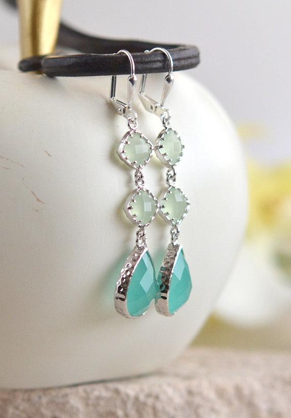 Mariage - Long Light Mint and Aqua Drop Earrings in Silver. Bridesmaids Earrings. Dangle. Fashion Earrings. Jewelry. Free Shipping. Wedding. Gift.